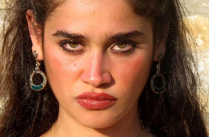 صور الممثلة التركية ملتام ميرال أوغلو بطلة مسلسل حياة