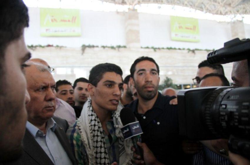 محمد يجري لقاء صحفي لدى وصوله