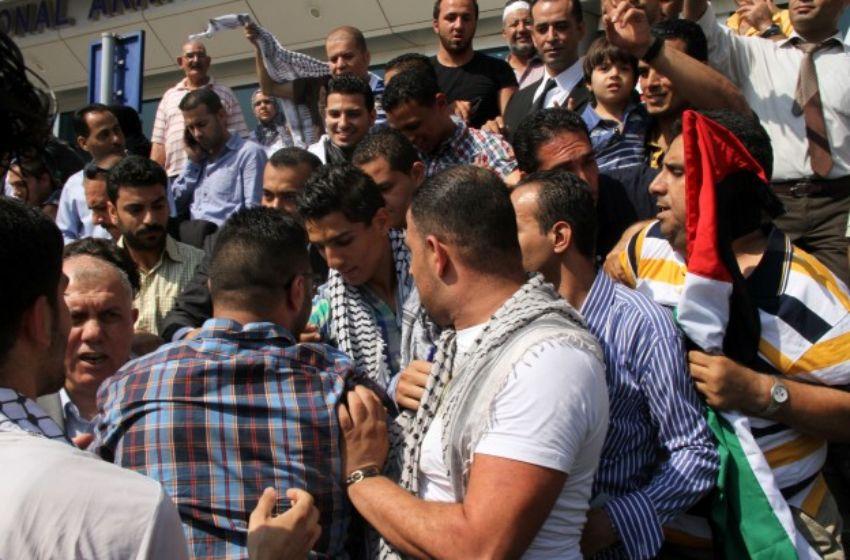 محمد بين الشباب الفلسطينيين في القاهرة