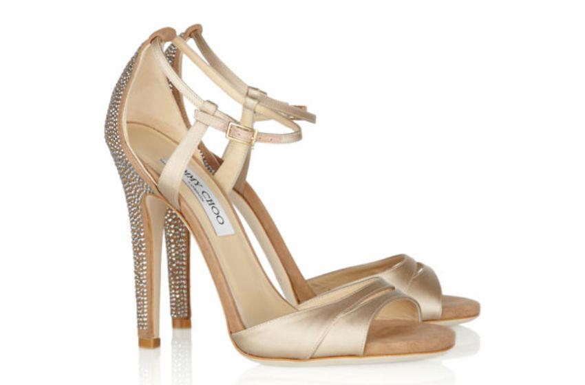 الكعب أحذية رياضيةأحذية وشنط جلد رآئعةتعالي هون شوفي الأحذية بالعالي