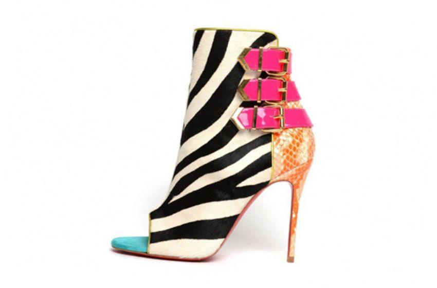 باقتك بزينة الشرائط ..كونى دائما الأجمل حتى لو كنتى حاملأحذية