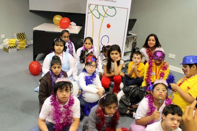 مشاعل وحلا الترك تغنيان للأطفال ذوي الاحتياجات الخاصة في جدة 1