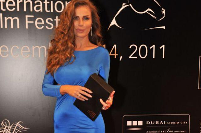 الفنانة اللبنانية نيكول سابا في مهرجان دبي السينمائي