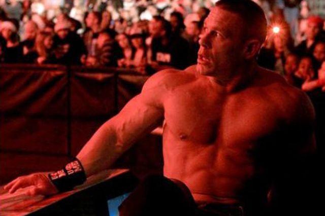 WWE Raw: كين يوجه إهانة مزدوجة لجون سينا.. ومارك هنري يهرب من مواجهته RAW_2