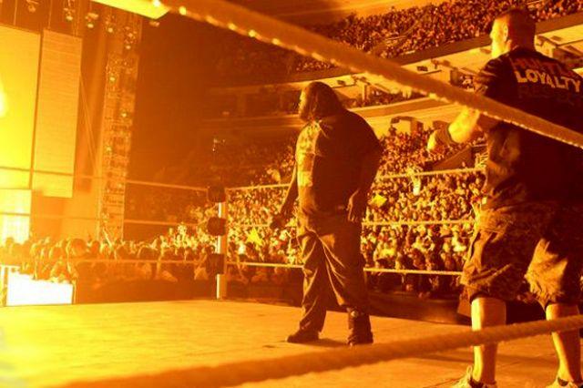 WWE Raw: كين يوجه إهانة مزدوجة لجون سينا.. ومارك هنري يهرب من مواجهته RAW_3