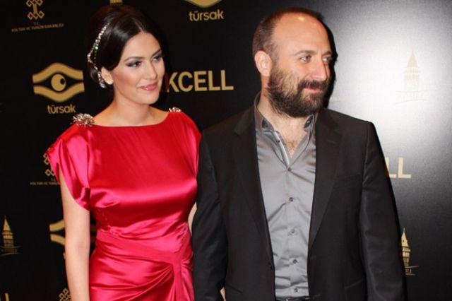الفنانة برجوزار كوريل مع زوجها الممثل خالد أرجينج