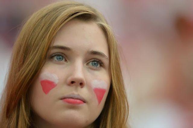 جميلات يورو في صراع ساخن