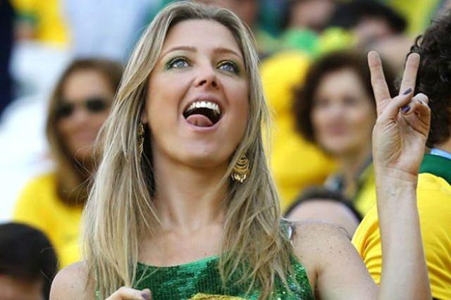 شقراء برازيلية
