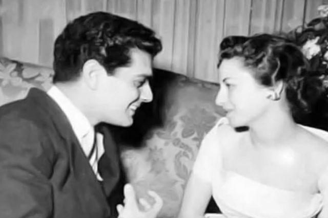 فاتن حمامة و عمر الشريف في صورة نادرة