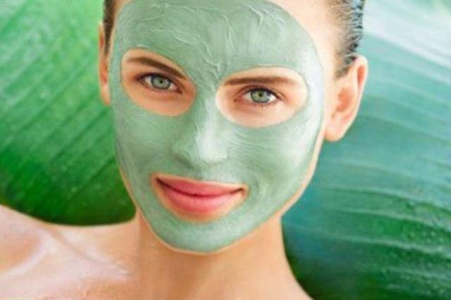 10 وصفات طبيعية ورخيصة لفرد الشعر في البيت خلال العيد.. جربيها  Facial-masks_1