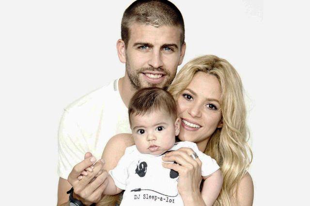 شاكيرا وبيكيه مع طفلهما