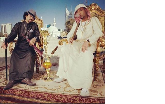 qqqq صورة السعودي قصي خضر يدخن الشيشة