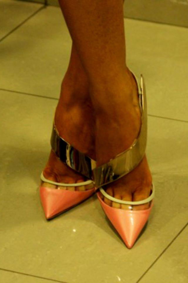 حذاء هلال من