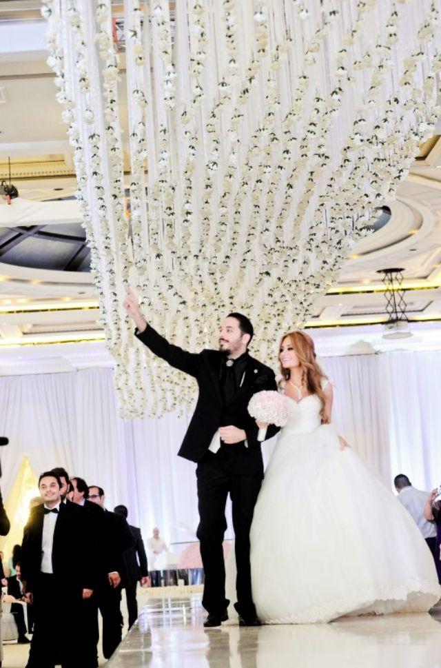 دخول العروسان إلى الصالة