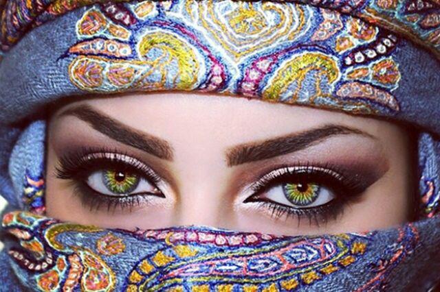 عيون منار اسرت أكثر من 25 ألف متابع على إنستغرام