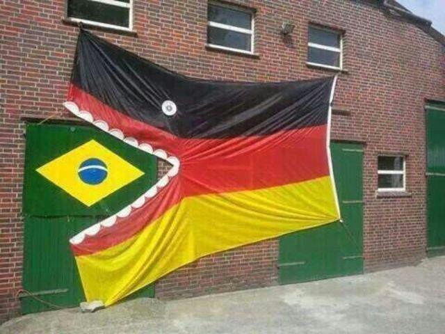 صورة نشرها باتشان وكأنه يقول أن ألمانيا التهمت البرازيل!
