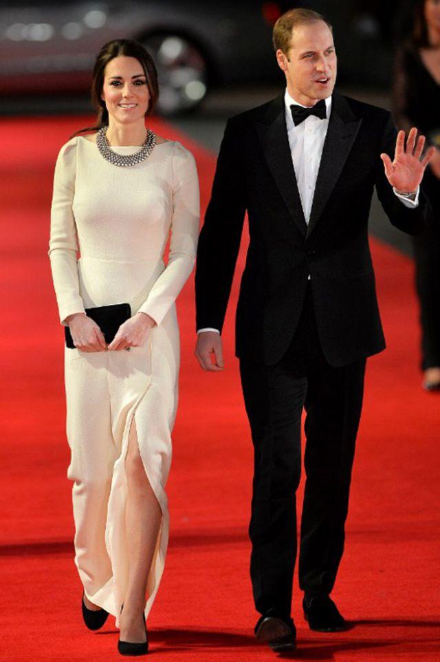 الأمير ويليام والأميرة كيت أثناء حضورهما العرض الملكي الخاص بفيلم Mandela Long Walk to Freedom