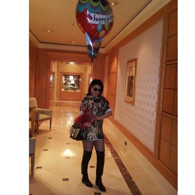 هيفاء وهبي بغداء عيد ميلادها