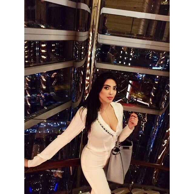 يسرا في مصعد برج خليفة