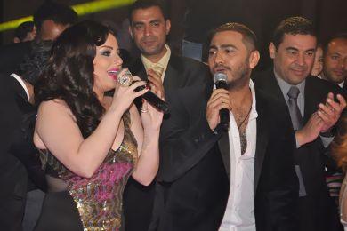 ديانا كرزون تغني مع تامر حسني