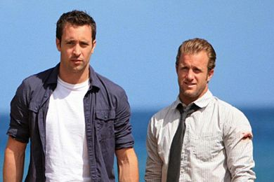 أليكس وسكوت في Hawaii Five-0