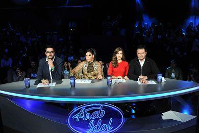لجنة التحكيم والمواهب الغنائية مواجهة القرار الصعب برنامج ايدول الموسم 123.jpg