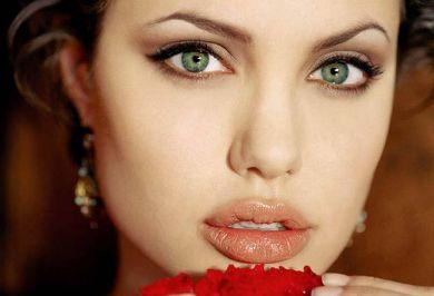 أناقة وموضة أزياء وملابس Angelina%20Jolie%20Lips%20%20Tumbir