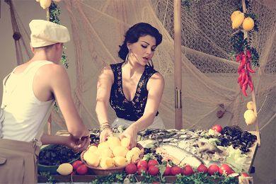 صور نادرة لهيفاء وهبي قبل شهرتها والجمهور يتعرف عليها بصعوبة بسبب إطلالتها