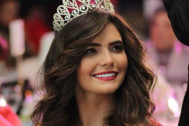 ملكة جمال مصر .. لن تصدقوا نحافة خصرها .. شاهدوا الصور