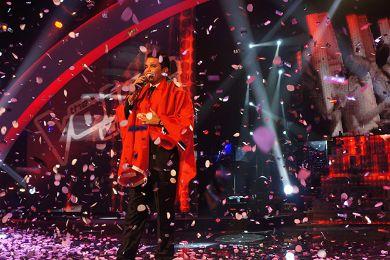 العلم المغربي يُرفرف فوق مسرح أحلى صوت: مبروك مراد بوريقي  624%20winner