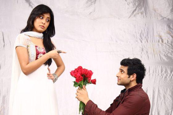 ابطــال مسلسل الهندي سجين الحب