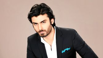 Watch Fawad Khan Singing a Romantic song