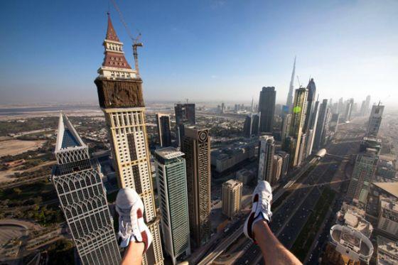 العديد من الصور لمدينة دبي ، من فوق ناطحة السحاب