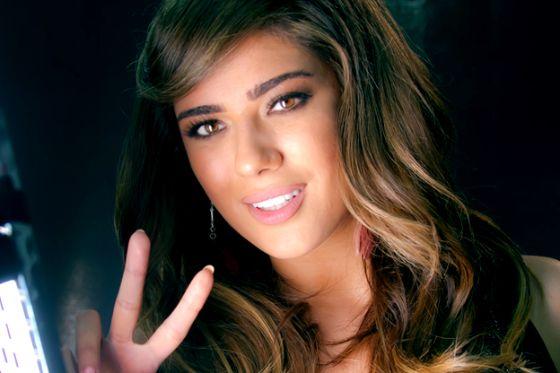 نادين نجيم Voice مقدم برنامج