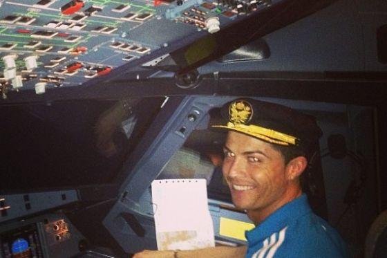 كابتن طيار كريستيانو رونالدو