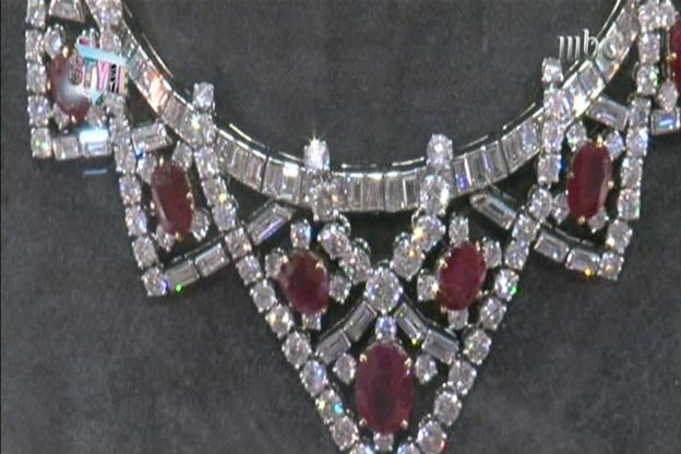 قطعة من مجوهرات من مجموعة إليزابيث تايلور