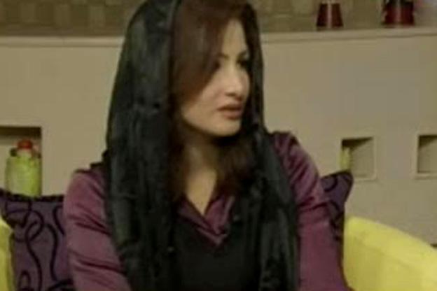 إيمان الأشراف بالحجاب بعد إجبارها على ارتدائه