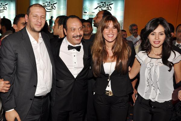 دينا فؤاد وخالد صالح في صورة تذكارية