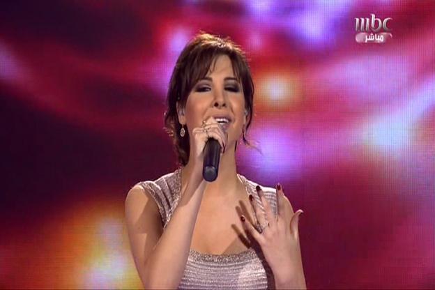 نانسي عجرم تغني على مسرح Arab Idol