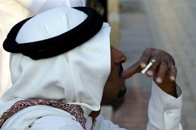 """اكتشف أغرب فائدة يمكن أن تحصل عليها من """"التبغ"""""""