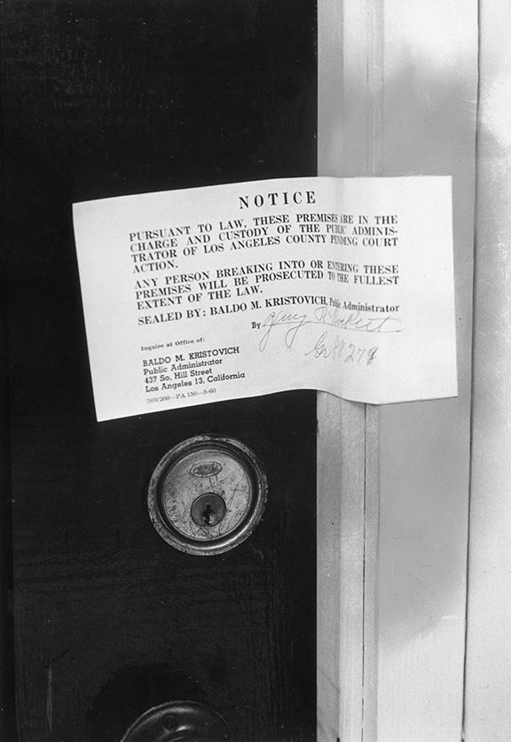 في الذكرى ال 53 لمقتل الفنانه العالمية مارلين مونرو نكشف لكم حقائق بالصور لأول مره من داخل غرفتها التي شيع انها انتحرت بداخلها 4 7/8/2015 - 1:52 م