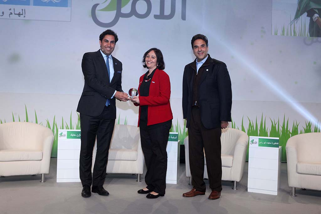 Ahmad Alhendawi & Mazen Hayek while distributing UNV awards