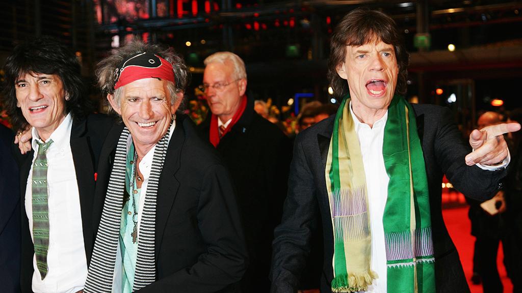 نجم Rolling Stones العجوز يستعين بـ4 مربيات للاعتناء بطفليه الرضيعين