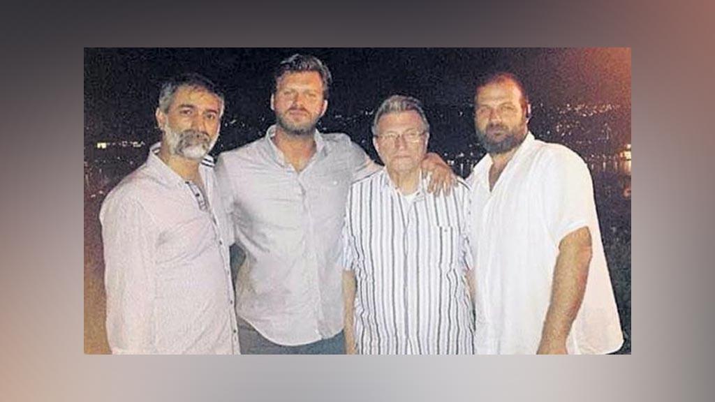اخبار النجوم التركية 2015,صورة عائلية