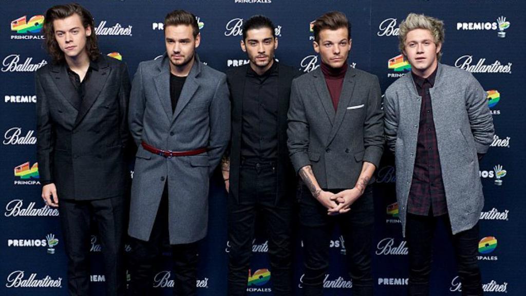 مالك في صورة قديمة مع One Direction
