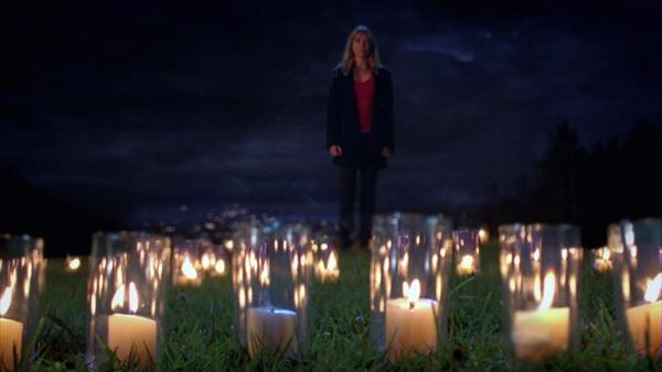 ميريديث تضئ الشموع في انتظار ديريك