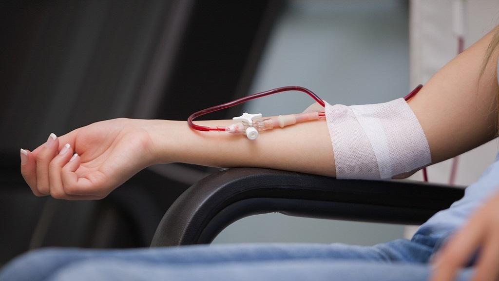 هذا ما يحدث لك عند تبرعك بالدم