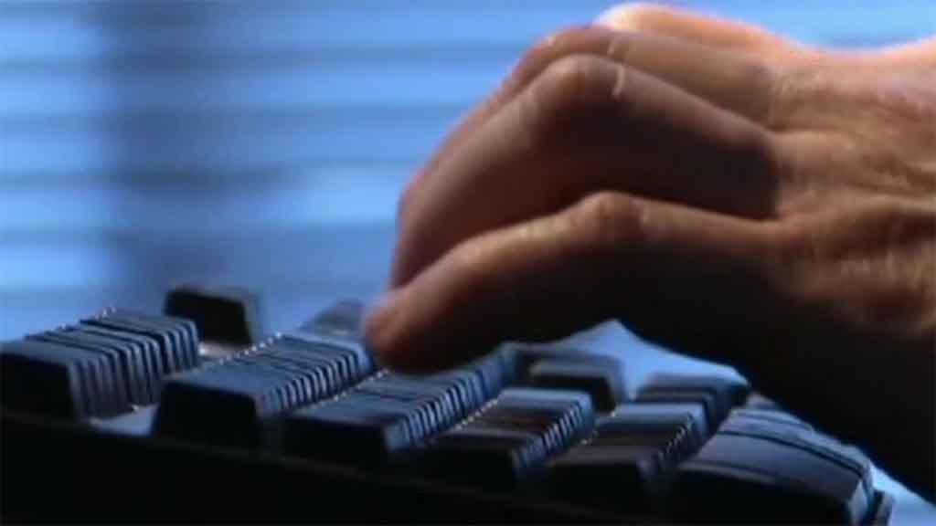 غوغل كروم  و  فايرفوكس  يتجسسان عليك -  MBC.net