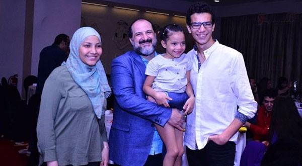 خالد الصاوي مع ابناء الفنان بيومي فؤاد