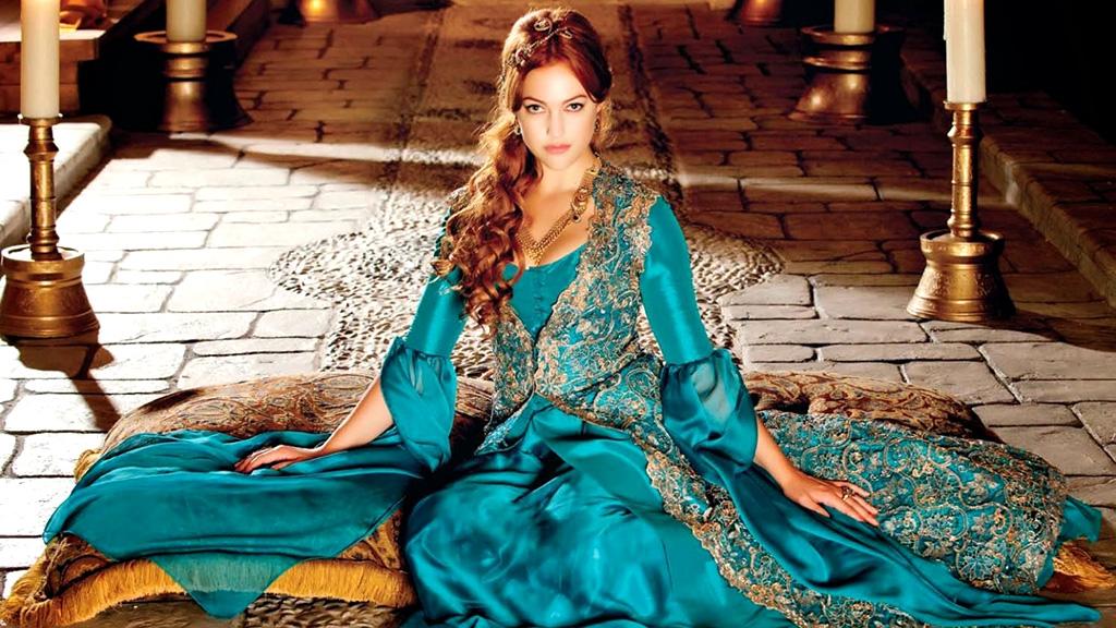 مريم أوزرلي في دور السلطانة هيام